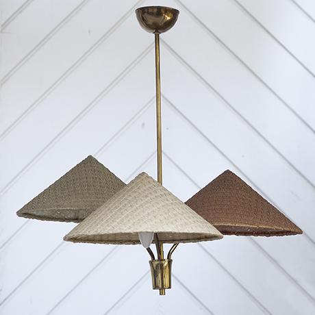 Schlichtes DesignKalmar_ceiling_lamp_chinese_hat