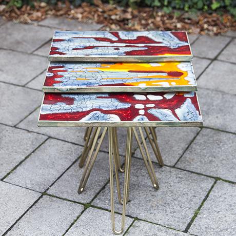 Majolika_tripod_Beistelltische_Keramik_Tisch