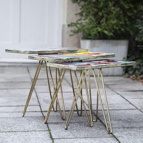 Majolika_tripod_nesting_tables_colorful