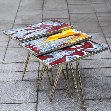 Majolika_tripod_nesting_table_ceramic