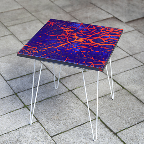 side_table_enamel_red_blue