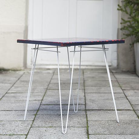 Beistelltisch_Tisch_emalliert_rot_blau