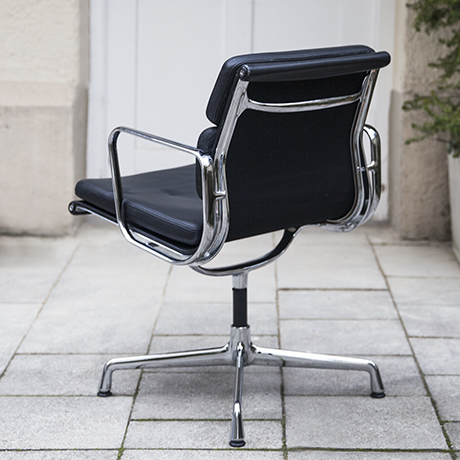 Eames_vitra_pad_chair_black_leather_5