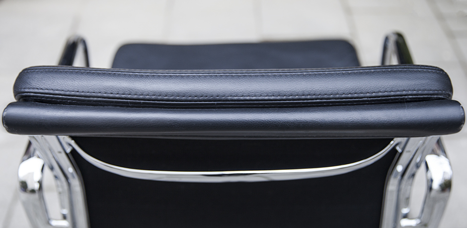 Eames_vitra_pad_chair_black_leather_9