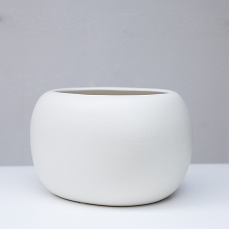 Gucci_ceramic_vase_white_3