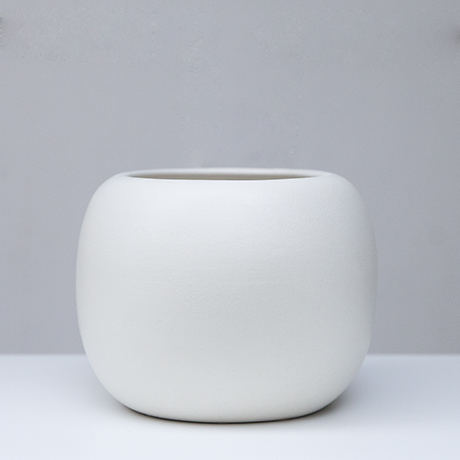 Gucci_ceramic_vase_white_5