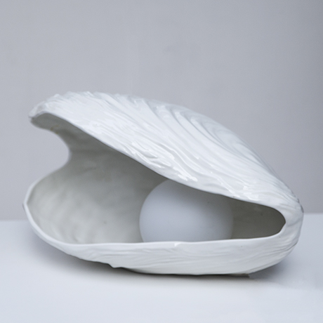 Tommaso_Barbi_table_lamp_clam_porcelain_3