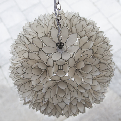mother_of_pearls_pendant_lamp_2