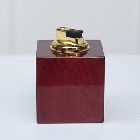Aldo_Tura_lighter_red_3