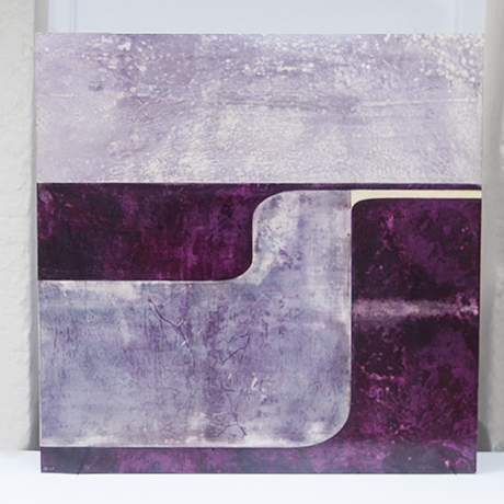 Schlichtes DesignAldo_Tura_wall_object_purple_1
