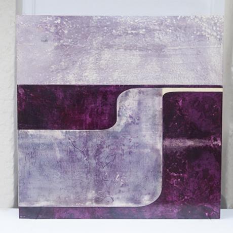 Aldo_Tura_wall_object_purple_1