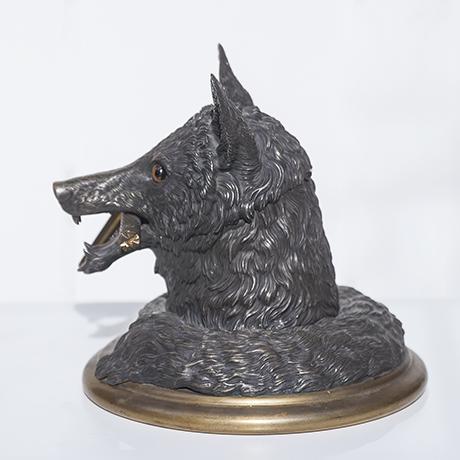 fox_desk_object_bronze_3