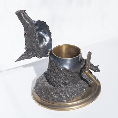 fox_desk_object_bronze_7