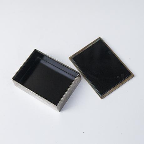 golden_bronze_box_7