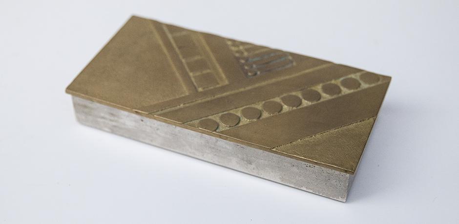 golden_bronze_box_8