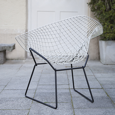 Bertoia_diamand_chair_Knoll_International_3