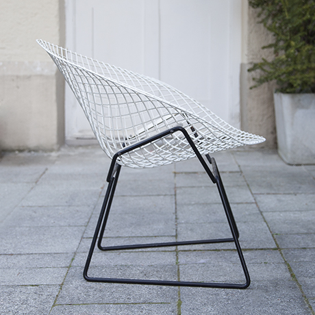 Bertoia_diamand_chair_Knoll_International_4