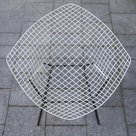 Bertoia_diamand_chair_Knoll_International_6