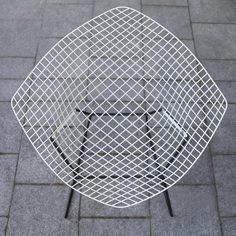 Bertoia_diamand_chair_Knoll_International_6