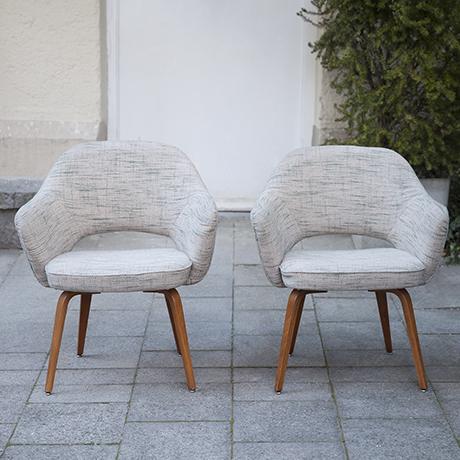 Eero_Saarinen_sessel_wolle_Knoll_International