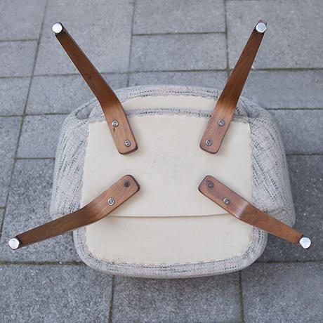 Eero_Saarinen_armchair_Knoll_International_9