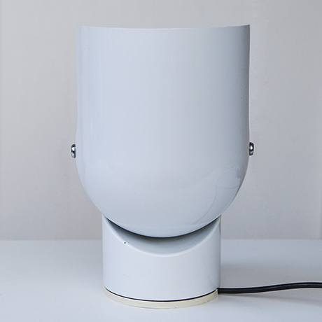Gae_Aulenti_table_lamp_Artemide_white_7