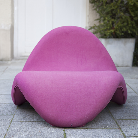 Pierre_Paulin_tongue_chair_Artifort_pink