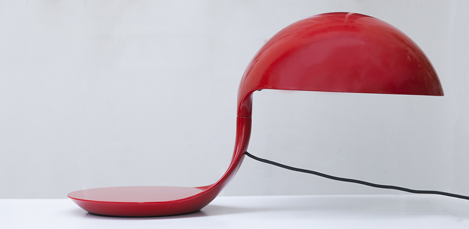 elio-Martinelli-Cobra-table-lamp-red_5