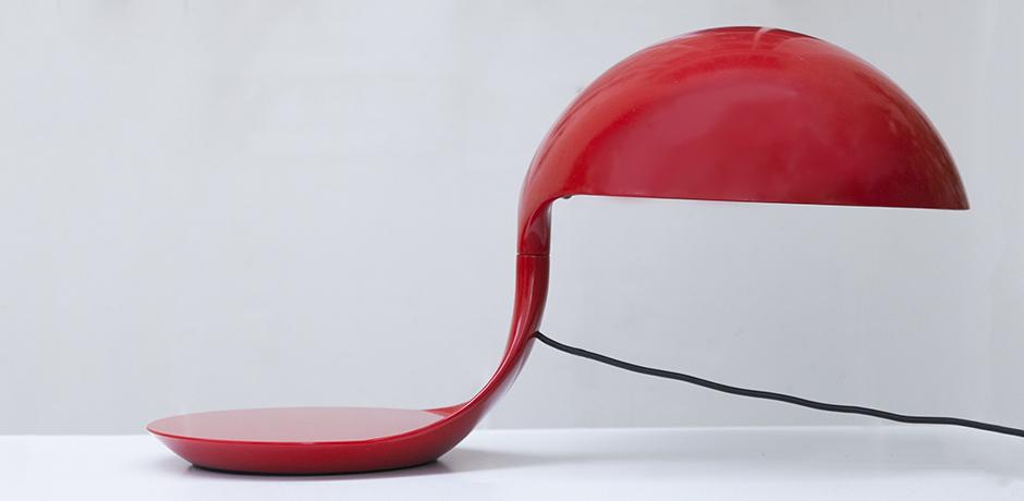 elio-Martinelli-Cobra-table-lamp-red_5
