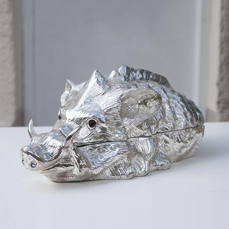 Franco-Lapini-boar-centerpiece-silver_1