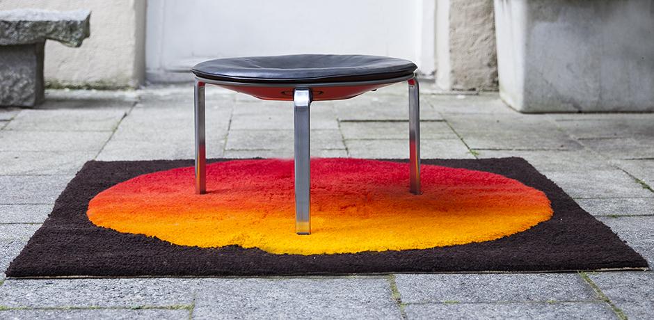 Kjaerholm-Fritz-Hansen-stool-leather_4