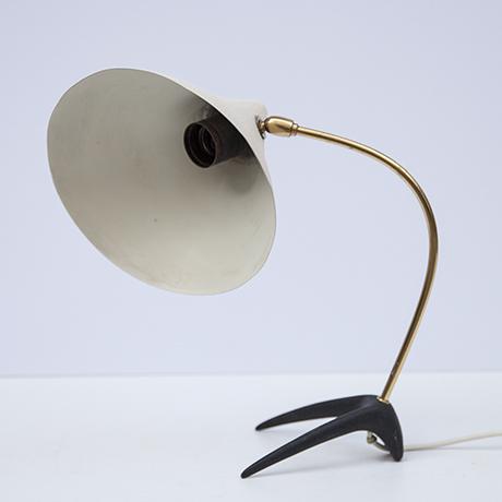 Louis-Kalff-tischlampe-weiss-lampe
