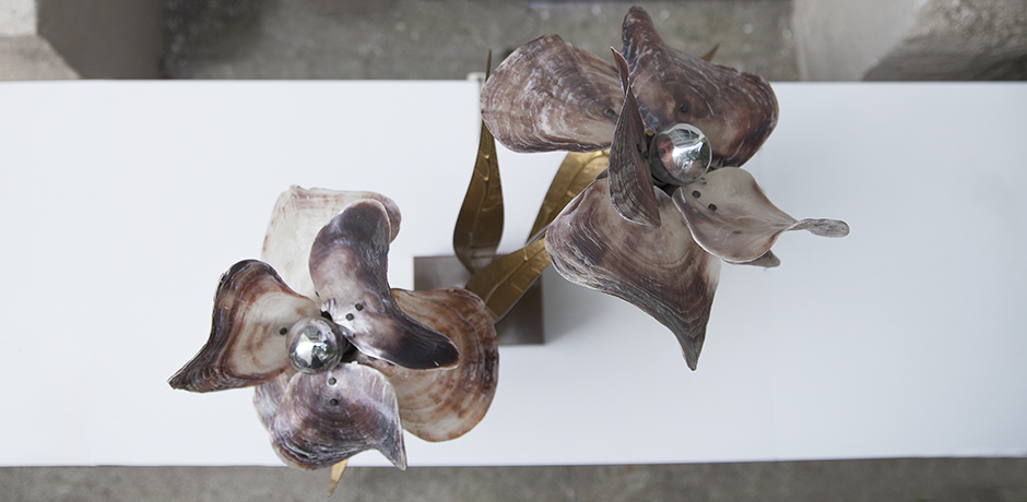 Willy-Daro-table-lamp-shell-bronze_8