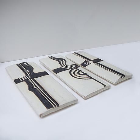 Helmuth-Schaeffenacker-wand-platte-schwarz-weiss-keramik-steinzeug