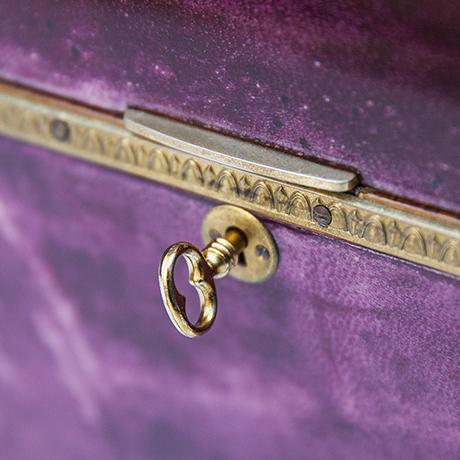 Aldo-Tura-box-purple-vintage-design