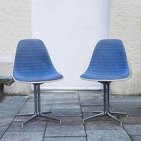 Girard-Charles-Eames-side-chairs-blue