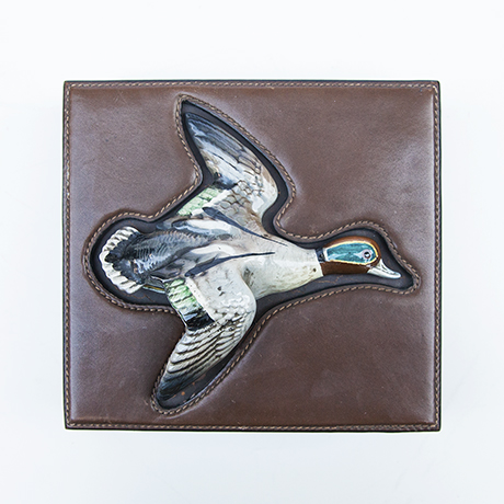 Gucci-box-duck-porcelain-leather
