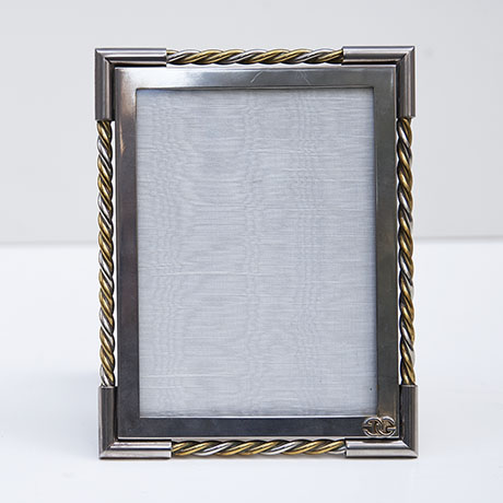Gucci-picture-frame-silver-vintage