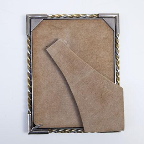 Gucci-picture-frames-silver