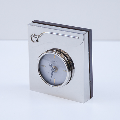Gucci-table-clock-silver