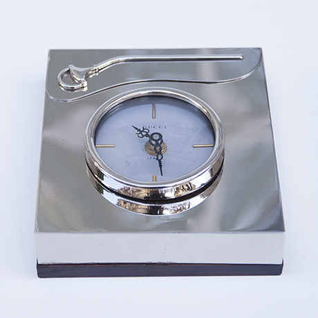 Gucci-table-clock-silver_8