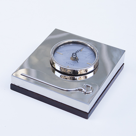 Gucci-table-clock-silver_9
