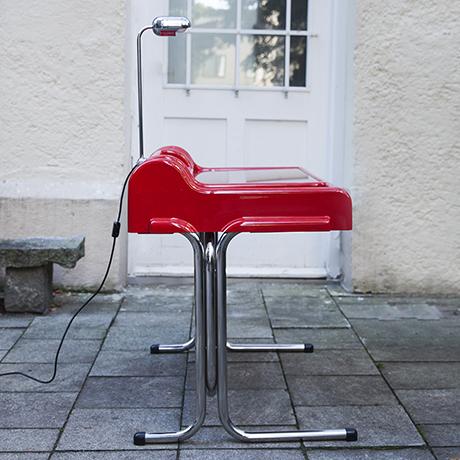 Parigi-Prina-Molteni-orix-desk-table-red