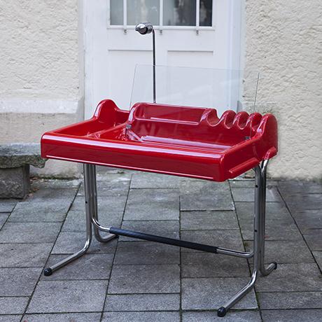 Parigi-Prina-Molteni-orix-desk-red-interior