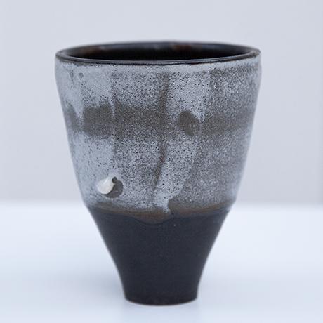Schlichtes DesignAsshoff-ceramic-cup-vase-grey