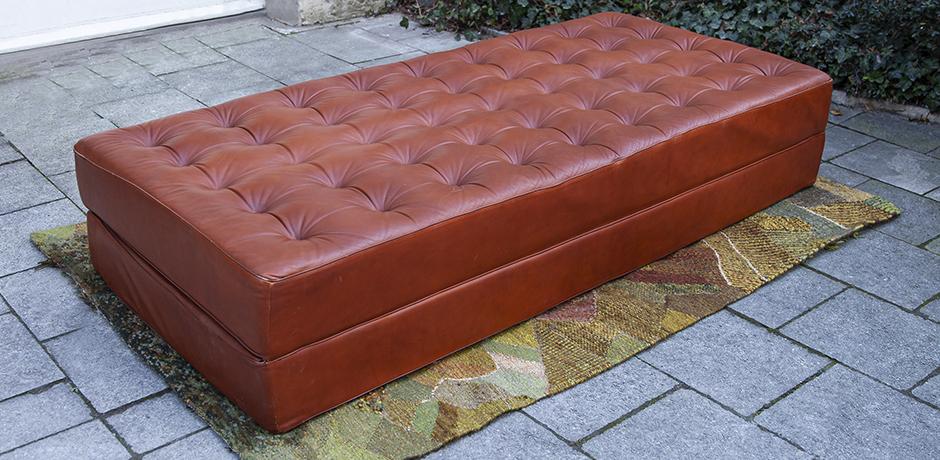 sofa-bett-braun-leder-vintage