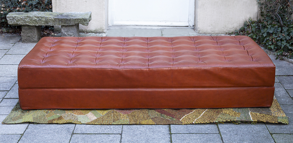 horst-Bruening-daybed-leather-brown
