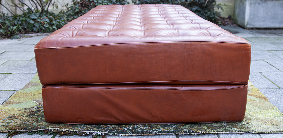 Kill-bed-coach-leather-brown