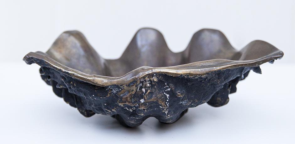 clam-shell-bowl-ashtray-bronze