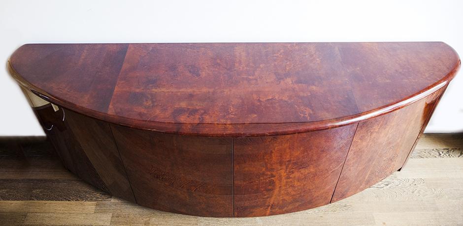 Aldo-Tura-sideboard-schublade-braun-rot